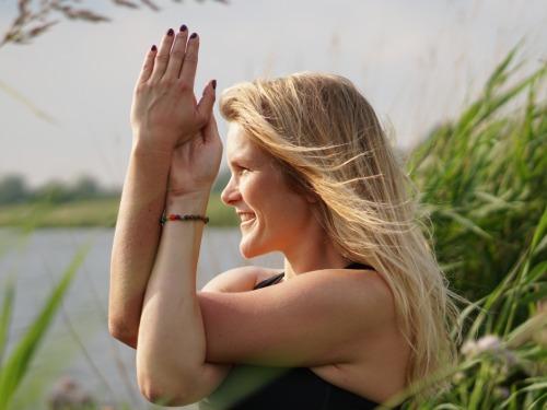 Rücken Yoga- schmerzfrei in 4 Wochen - auf Triviar