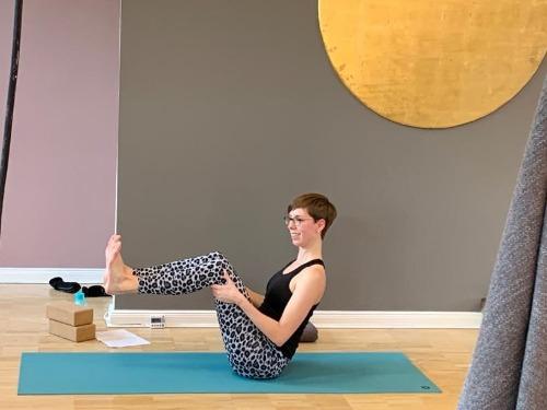 Vinyasa Yoga (Power Yoga) - auf Triviar