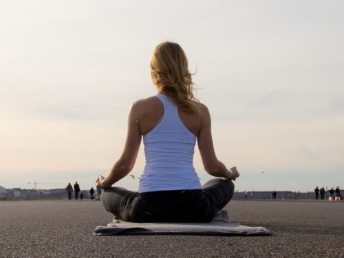 Online Raja Yoga (75 min) - auf Triviar