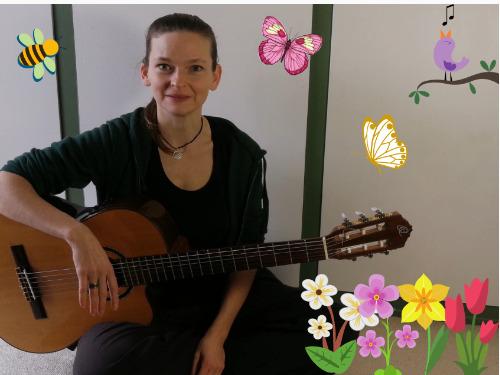 Frühlingslieder auf der Gitarre begleiten - auf Triviar