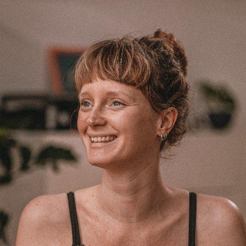 Ella Wayfarer Yoga - auf Triviar