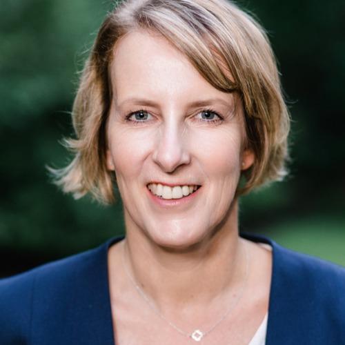 Brigitte Ulrich - Waldbaden | Achtsamkeit im Wald | Natur-Resilienz in NRW - auf Triviar
